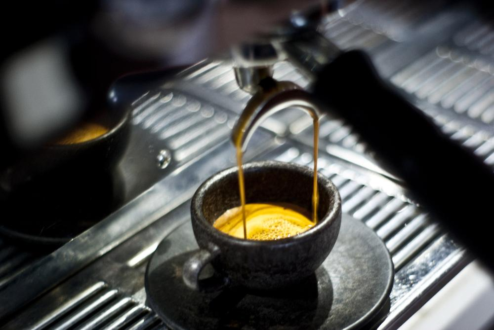 taza hecha de café