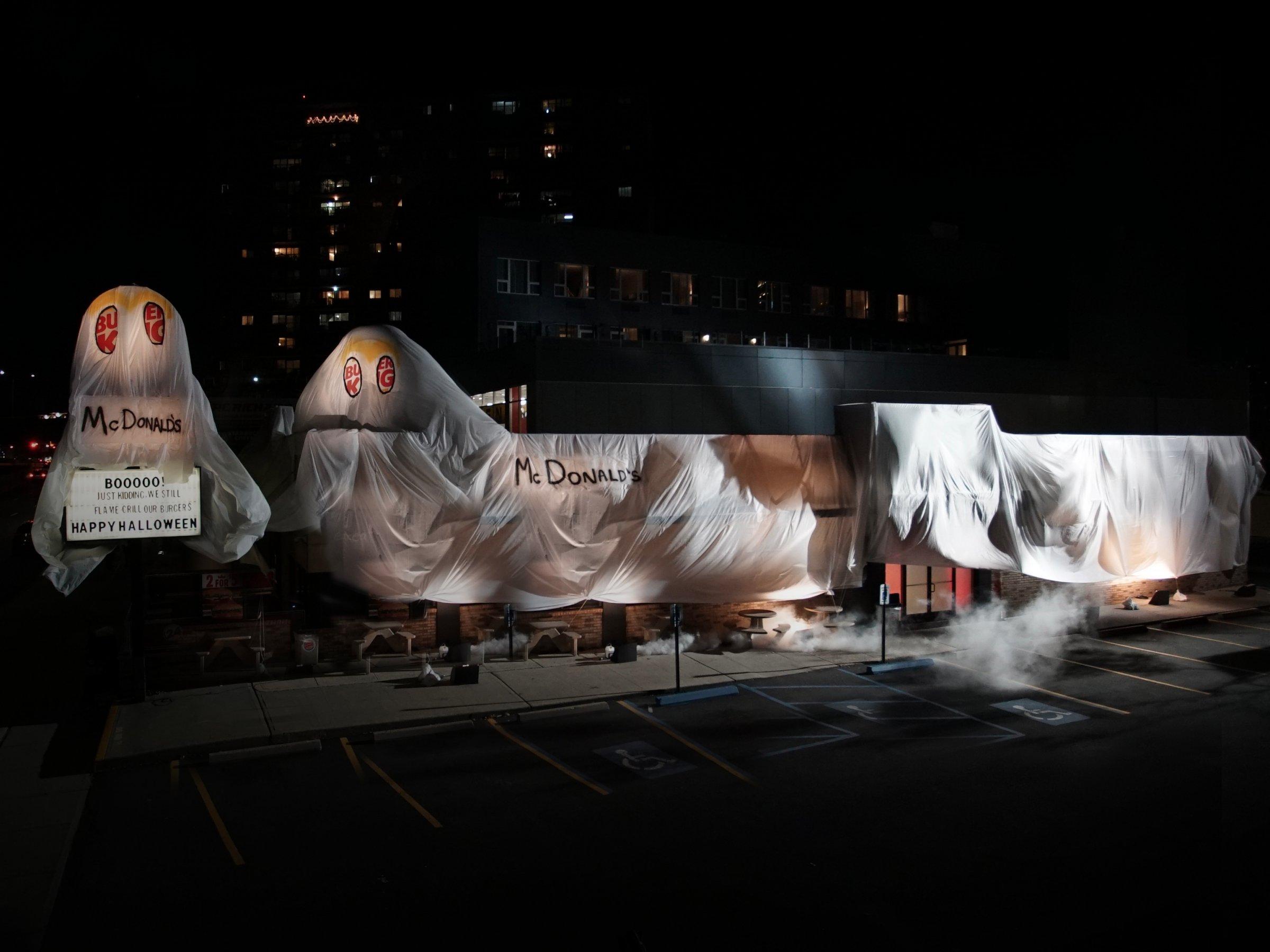 burger king vs mcdonald's, burger king halloween, burguer king mcdonald's